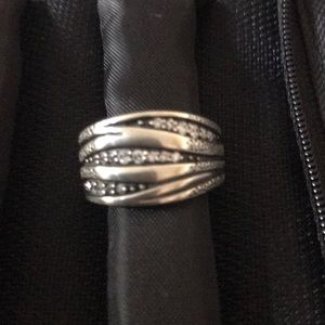 Silpada ring with 3 rows of clear glass stones